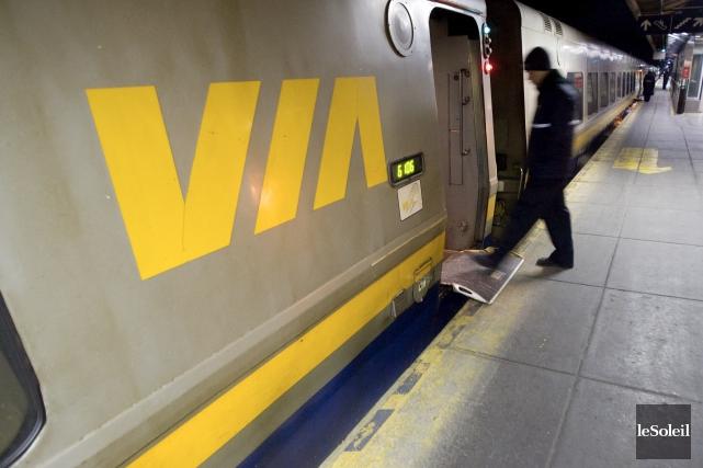 Un train de VIA Rail à la gare... (Photothèque Le Soleil)