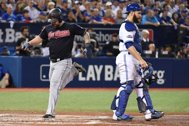 Les Indians ont pris les devants 4-2 en... (PHOTO REUTERS)