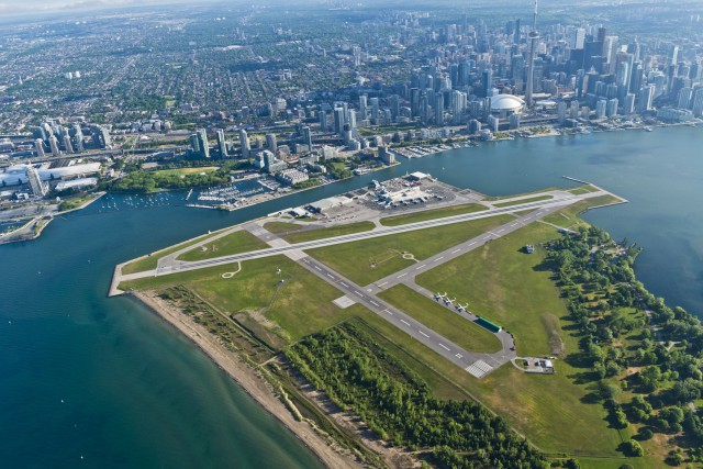 L'aéˆroport Billy Bishop de Toronto.... (Photo CNW/PortsToronto)