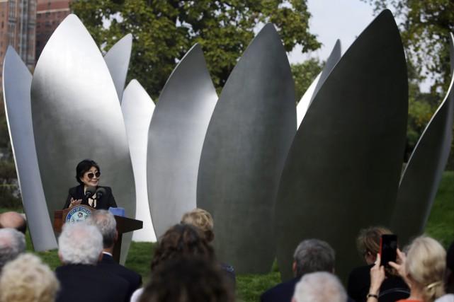 L'artiste Yoko Ono a dévoilé sa première installation... (PHOTO AP)