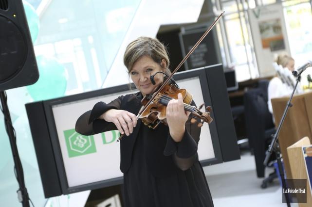 La violoniste Roxane Del a offert un bel... (Janick Marois, La Voix de l'Est)