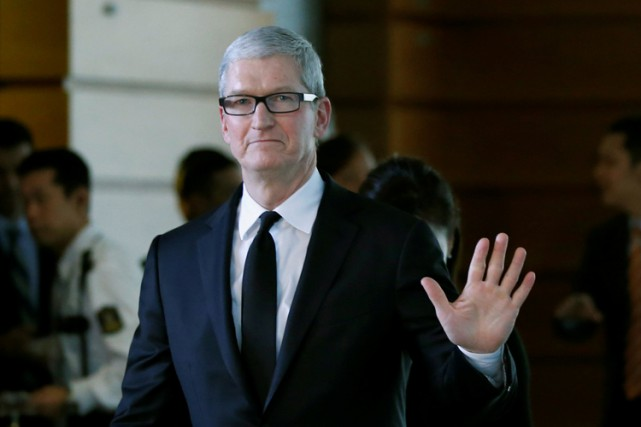 Le patron d'Apple, Tim Cook.... (PHOTO REUTERS)