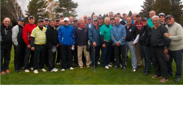 Une belle brochette de golfeurs des clubs (Sainte-Flore,...