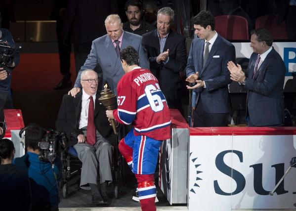 Invité surprise pour l'ouverture locale du Canadien, Jacques... (La Presse canadienne, Paul Chiasson)