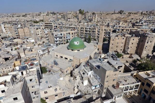 Une vue aérienne d'Alep, le 13 octobre 2016.... (photo REUTERS)