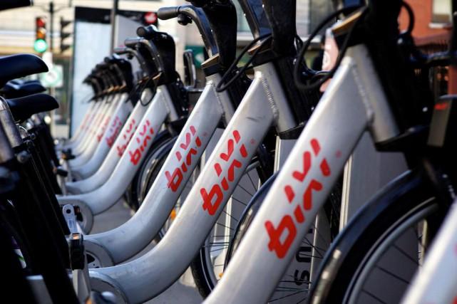 Avec plus de 3,5 millions de déplacements cette année, le réseau de vélos en... (PHOTO SARAH MONGEAU-BIRKETT, archives LA PRESSE)