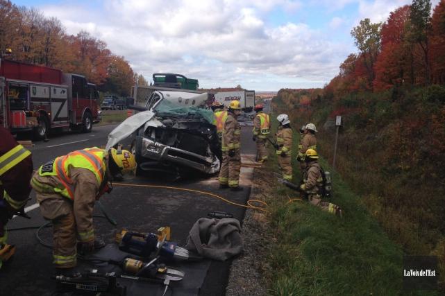 Un homme est décédé à la suite d'une grave collision survenue mercredi matin... (photo Janick Marois, La Voix de l'Est)