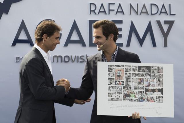 Rafael Nadal et Roger Federer... (Photo Jaime Reina, AFP)