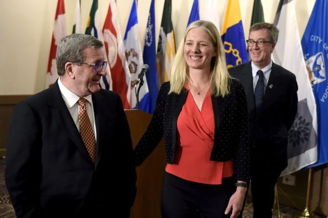 Les maires Labeaume et Watson ont entre autres... (Justin Tang, La Presse canadienne)