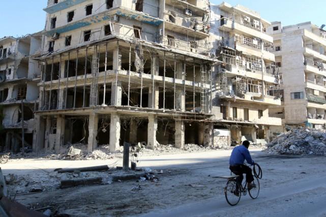 Alep est le principal front du conflit qui... (PHOTO REUTERS)