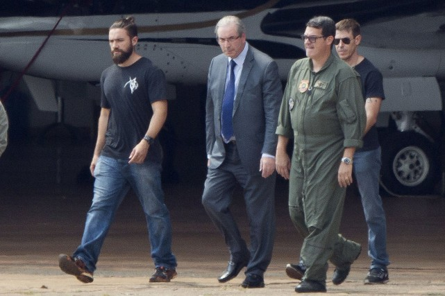 L'ex-président du Congrès brésilien des députés Eduardo Cunha... (AP, Michael Melo)