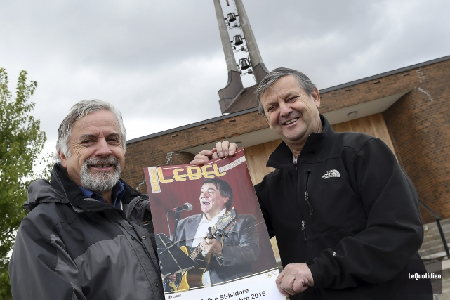 Rémi Tremblay et Jean Gravel, respectivement membre du... (Photo Le Quotidien, Rocket Lavoie)