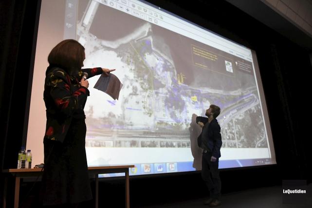 Aline Lavoie, membre du CASC, a présenté un... (Photo Le Quotidien, Rocket Lavoie)