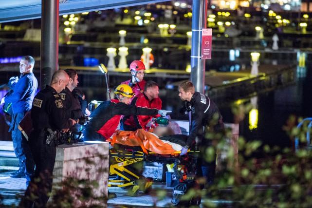 Les pompiers et les ambulanciers ont été dépêchés... (Collaboration spéciale, Steve Jolicoeur)