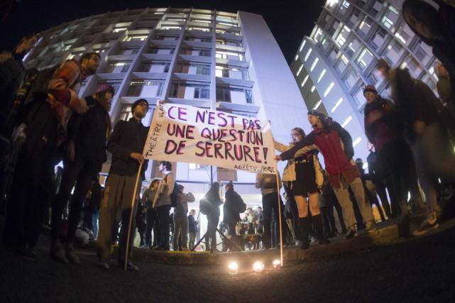 Une vigile pour les victimes d'agression à l'Université... (Photo Jacques Boissinot, PC)