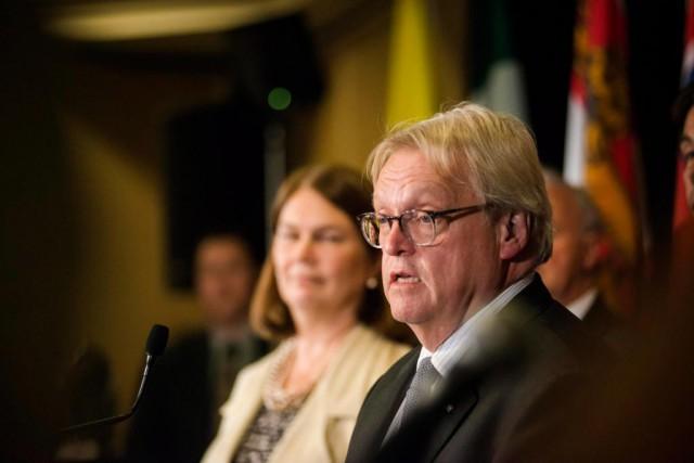 Le ministre de la Santé Gaétan Barrette a... (PhotoChristopher Katsarov, La Presse Canadienne)