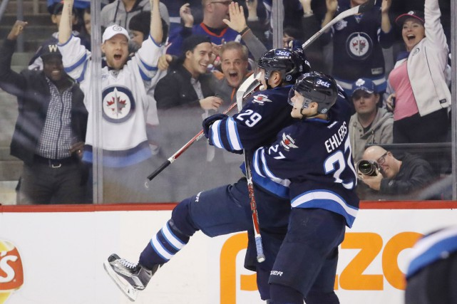 Patrik Laine (29) a procuré la victoire aux... (Photo Bruce Fedyck, USA Today Sports)