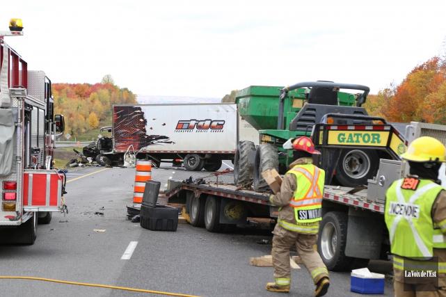 L'accident est survenu mercredi matin sur l'autoroute 10.... (Photo La Voix de l'Est)