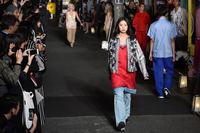 La marque française Koché a fait ses débuts à la semaine de la mode de Tokyo en... (PHOTO AFP)