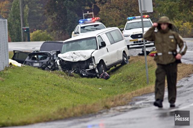 Deux personnes sont mortes et deux autres ont été blessées dans un grave... (PHOTO PATRICK SANFAÇON, LA PRESSE)
