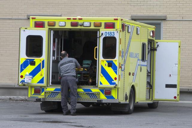 Les 3600 travailleurs du préhospitalier syndiqués à la CSN vont être appelés à... (PHOTO ROBERT SKINNER, ARCHIVES LA PRESSE)