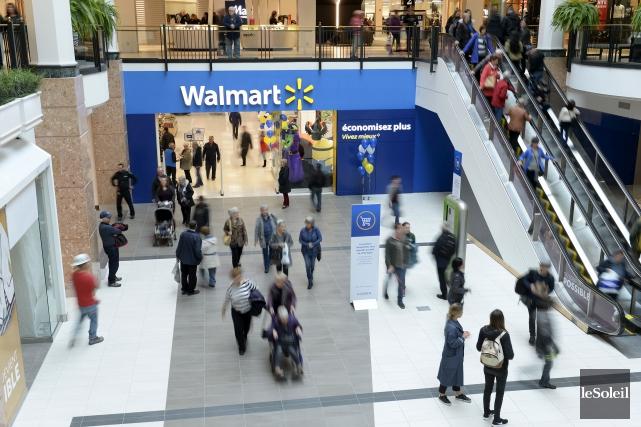 Le magasin Walmart de Laurier Québec, d'une superficie... (Le Soleil, Yan Doublet)