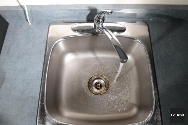 La Ville de Gatineau a distribué l'équivalent de 407 litres d'eau potable par... (Archives, LeDroit)