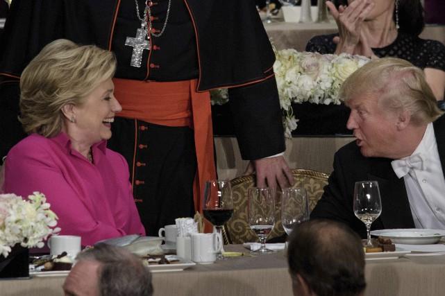 Hillary Clinton et Donald Trumpont partagé un dîner... (AFP, Brendan Smialowski)