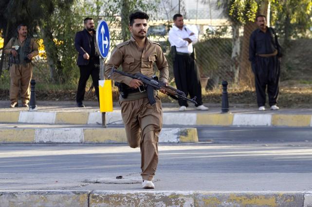Les forces kurdes, qui contrôlent Kirkouk, jouent un... (photo Ako Rasheed, REUTERS)