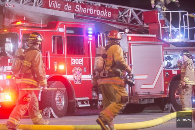 Le Service de police de Sherbrooke a ouvert une enquête à la suite d'un... (Archives La Tribune, Julien Chamberland)