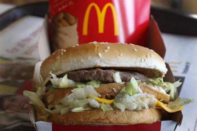 Le géant de la restauration rapide McDonald's réclame près de 18 millions... (PHOTO GENE J. PUSKAR, archives AP)