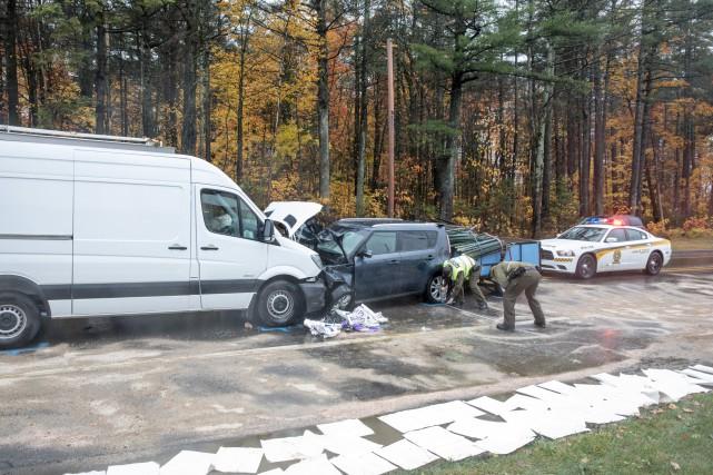 La collision s'est produite vers 11h30 à l'entrée... (Collaboration spéciale Steve Jolicoeur)