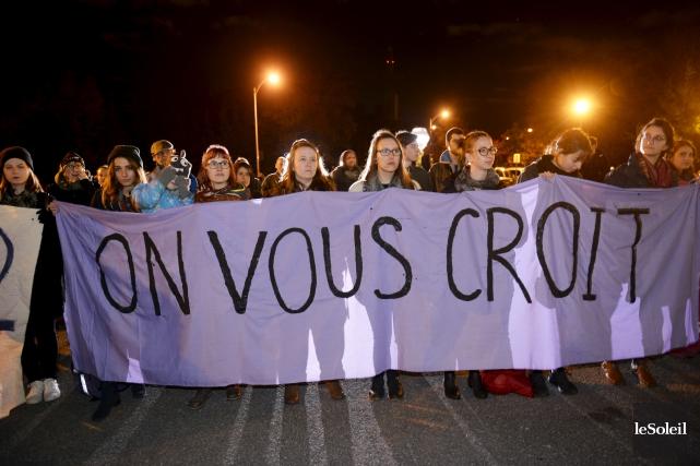 Lors de la vigile du 19 octobre, plusieurs... (Le Soleil, Jean-Marie Villeneuve)