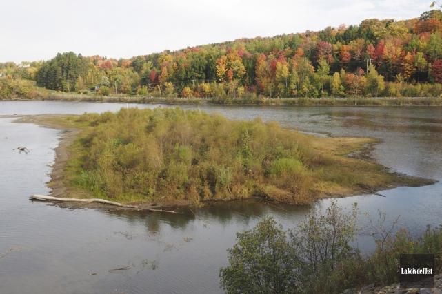 La section est du lac Davignon à Cowansville... (Alain Dion, La Voix de l'Est)