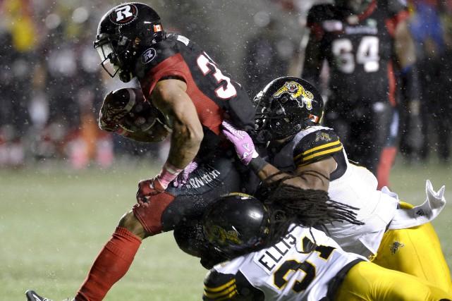 Le Rouge et Noir d'Ottawa, qui affrontait les... (Justin Tang, La Presse canadienne)