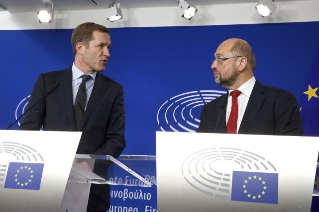 Le président du Parlement européen, Martin Schulz etPaul... (AFP)