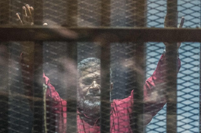 Mohamed Morsi... (PHOTO KHALED DESOUKI, ARCHIVES AGENCE FRANCE-PRESSE)