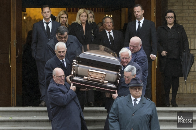 Funérailles de Vincenzo Spagnolo, à Saint-Léonard, samedi... (PHOTO ROBERT SKINNER, LA PRESSE)