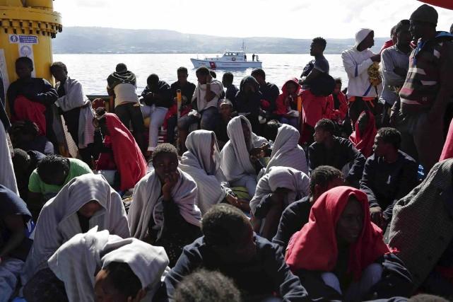 Plus de 200 migrants ont étésecourus samedi lors... (AFP, Yara Nardi)