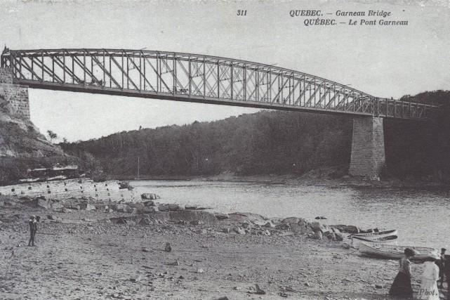 Le pont Garneau en 1907... (Photo Neurdein frères, Musée McCord)
