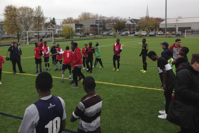 Le nouvel aménagement sportif de l'école secondaire Vanier... (Collaboration spéciale Camille B. Vincent)