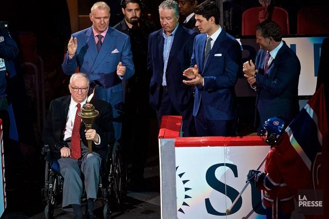 Jacques Demers est apparu souriant dans un fauteuil... (La Presse, André Pichette)