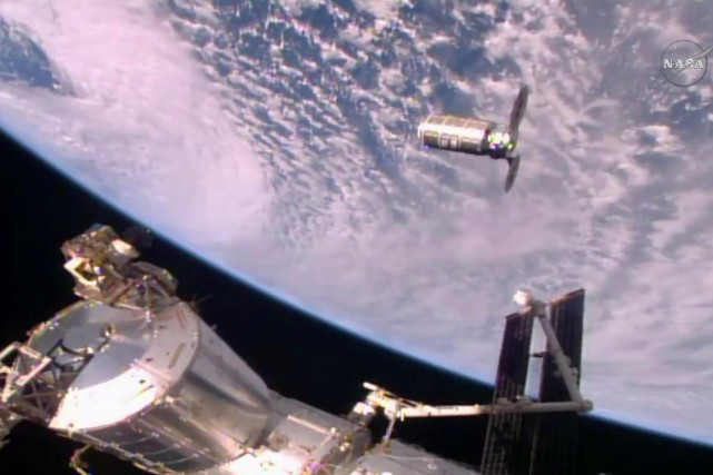 La capsuleCygnus à l'approche de la Station spatiale... (PHOTO AGENCE FRANCE-PRESSE/NASA)