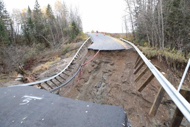 La pluie incessante des derniers jours a causé d'importants dégâts ce week-end... (Olivier Croteau)