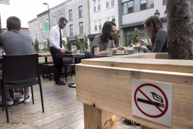 L'amende pour les fumeurs pris en flagrant délit,... (La Presse Canadienne, Paul Chiasson)