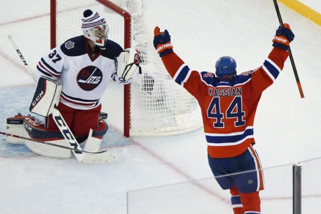La troisième aura été la bonne pour Cam Talbot, dimanche. Le gardien des Oilers... (PHOTO PC)