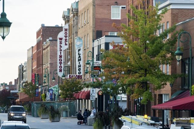 Les organismes communautaires bien implantés au centre-ville de... (Archives La Tribune, Jessica Garneau)