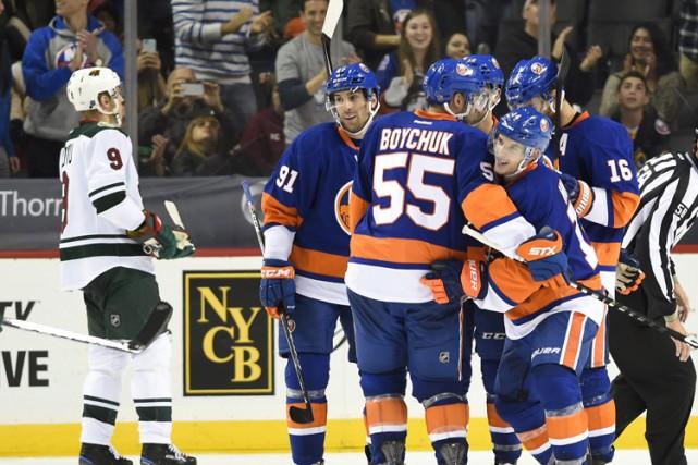 John Tavares a récolté deux buts et une aide, Johnny Boychuk a touché la cible... (PHOTO AP)