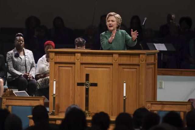 Hillary Clinton s'est exprimée dimanche dans une église... (AFP, Robyn Beck)