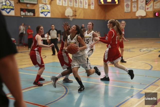 Les Inouk du basket féminin ont fait plaisir... (Catherine Trudeau, La Voix de l'Est)